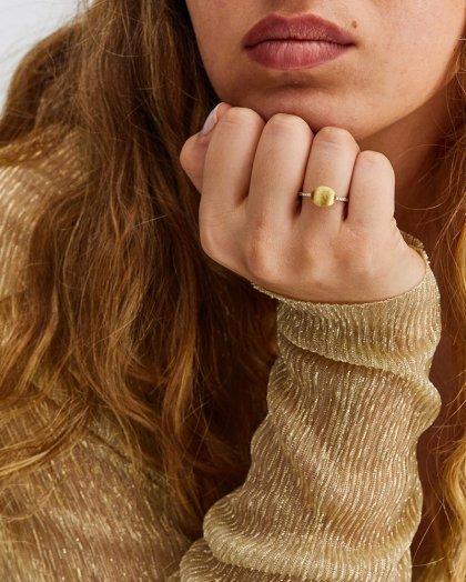 Ring  Nanis